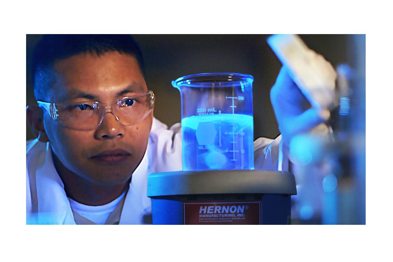 Hernon Chemist in Lab